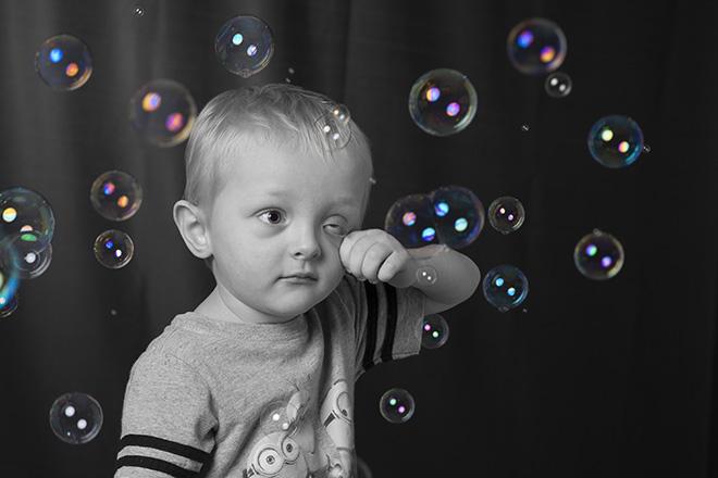 #selectivecolor, #blackandwhite, #portrait, #children, #bubbles