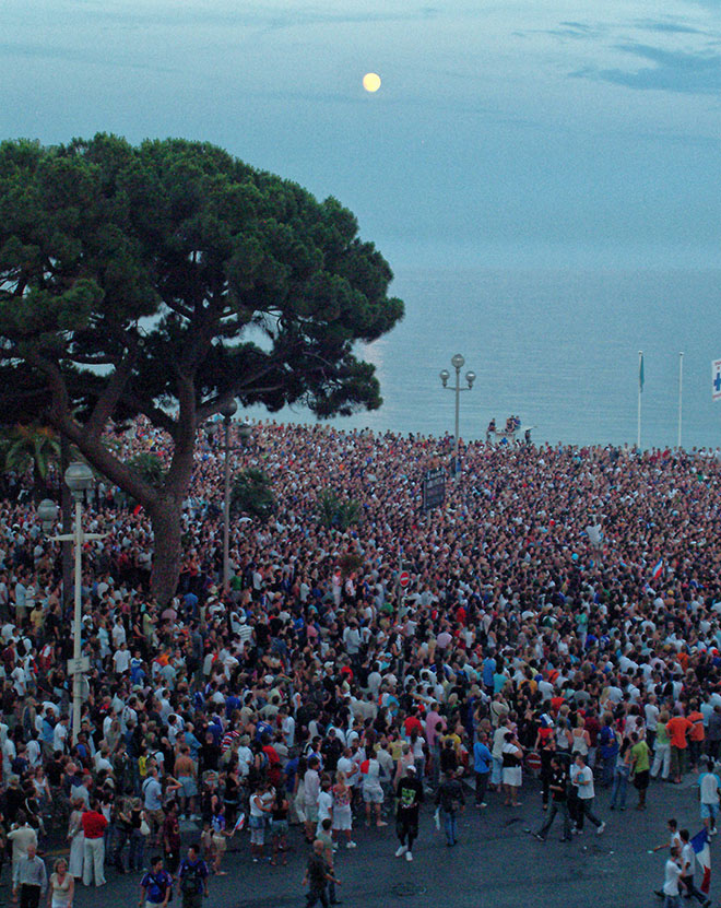 #moonrise, #nice, #france, #crowd, #worldcup, #peace