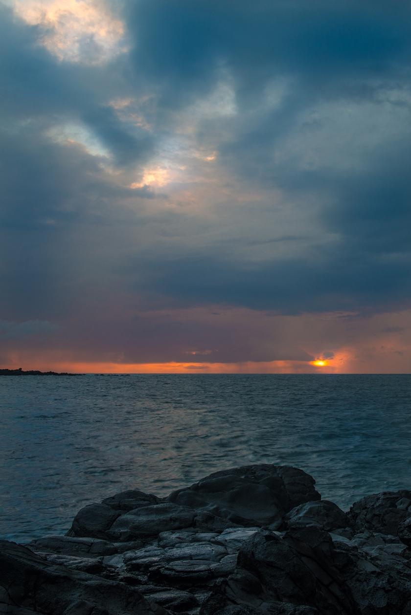 #maui, #sunset, #sky, #beready, #sun, #clouds, #lava