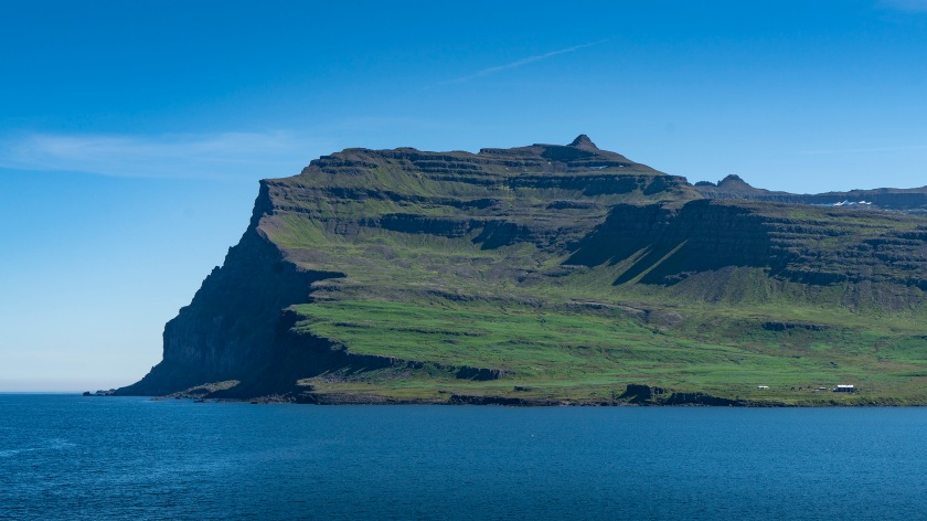 #iceland, #eastcoast, #isolation, #greenandblue, #coastline, #july, #clearday, #volcanic