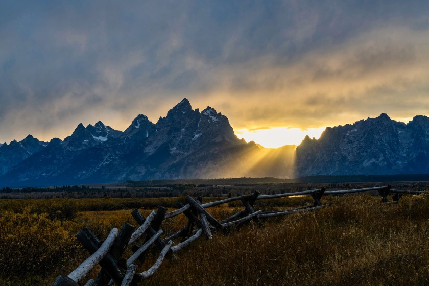 #grandteton, #nationalpark, #sunset, #gtnp, #jacksonhole, #jackson, #september, #grandtetonnationalpark, #landscapephotography, #nature, #sunbeams, #clouds, #fence, #cunninghamcabin, #cunningham, #brilliant