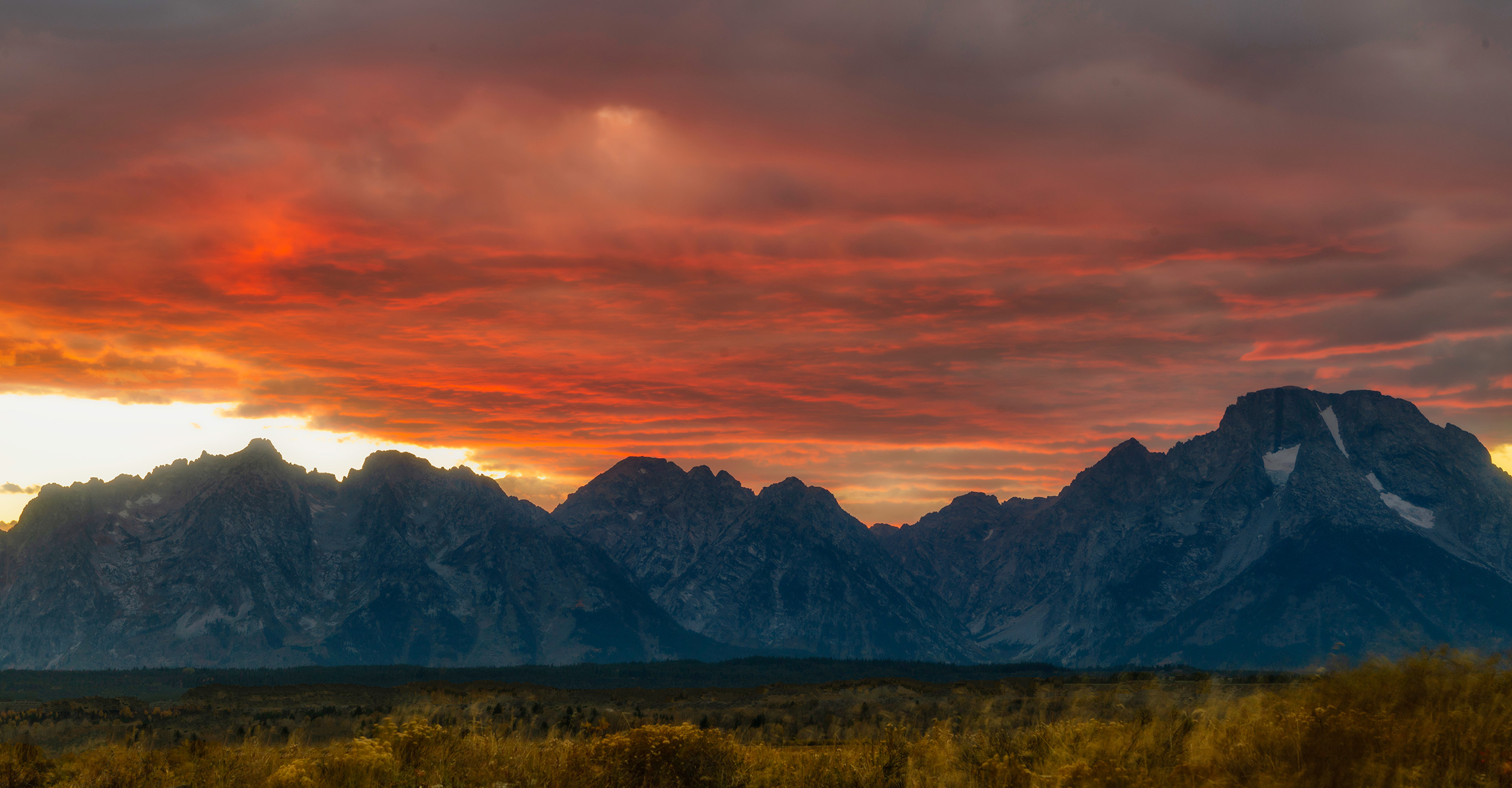 #sunset, #clouds, #light, #grandtetons, #grandtetonnationalpark, #nationalparks, #light, #color, #landscape