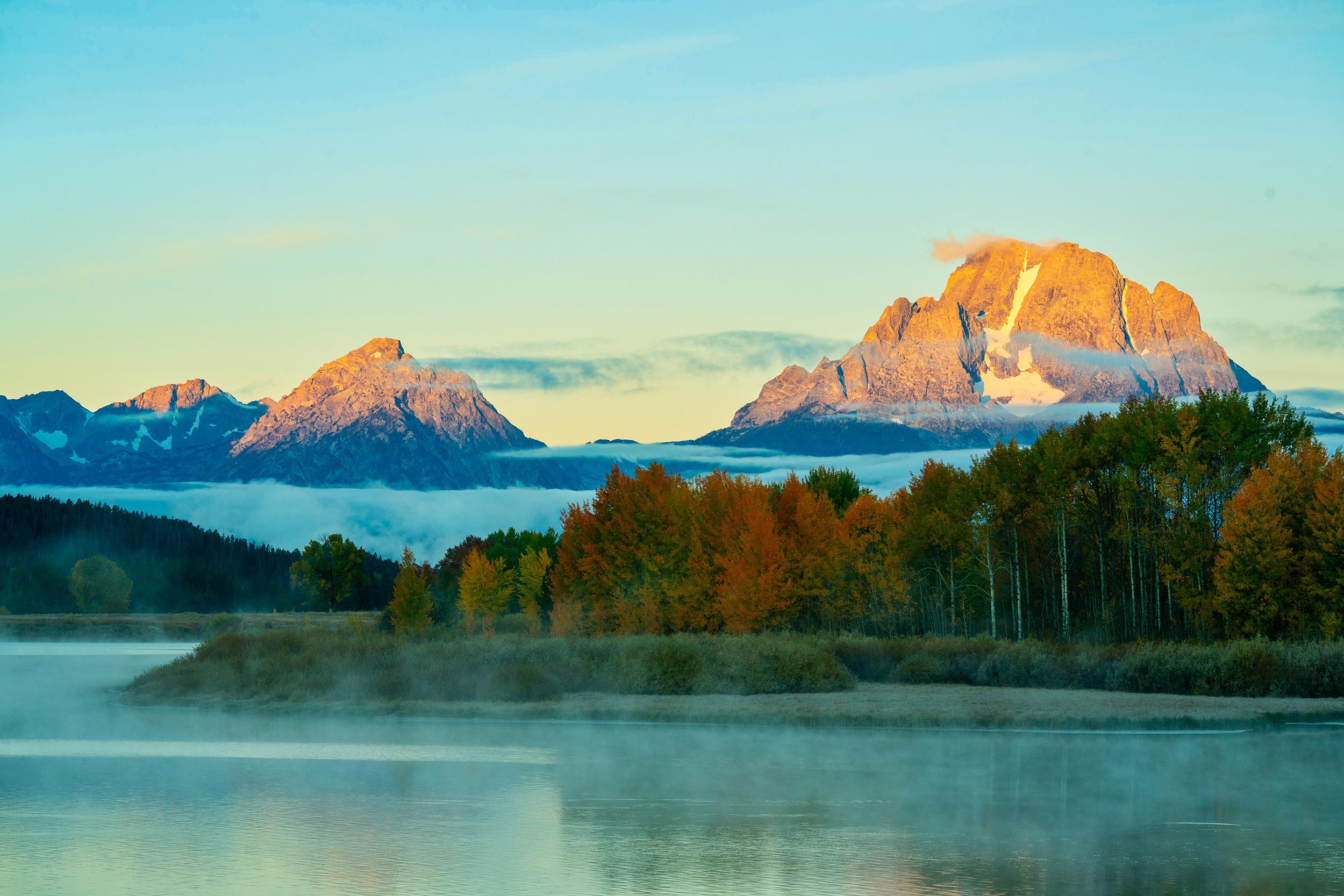 #fog, #fallcolor, #mountmoran, #jacksonhole, #grandtetons, #grandtetonnationalpark, #sunrise, #nationalparks, #snakeriver, #fall, #landscape, #wyoming