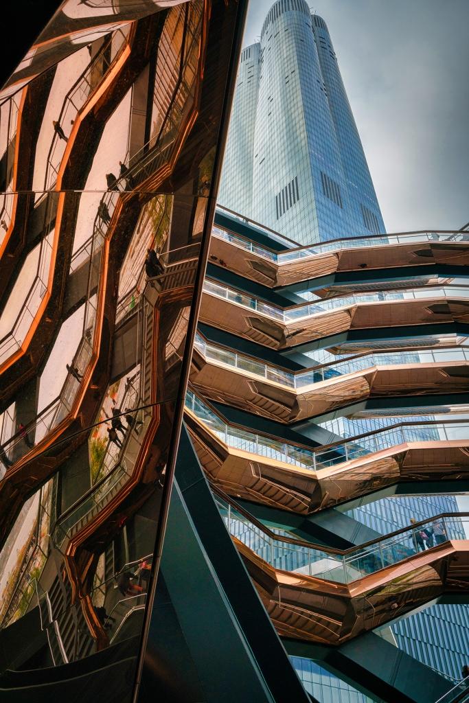 #hellohudsonyards, #cathykellyphotography, #copper, #reflections, #publicart, #nyc, #Newyork, #newyorkcity